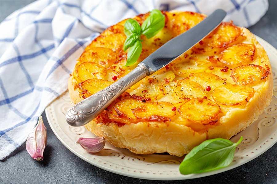 tarte tatin di patate e wurstel scarlino