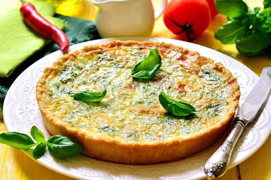 ricetta torta salata con spinaci e wurstel