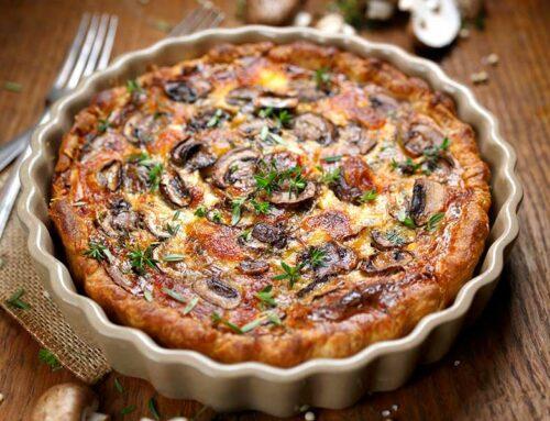 Torta salata con prosciutto e funghi