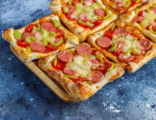 Pizzette di pasta sfoglia con wurstel