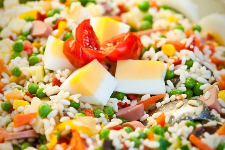 insalata di riso con wurstel scarlino
